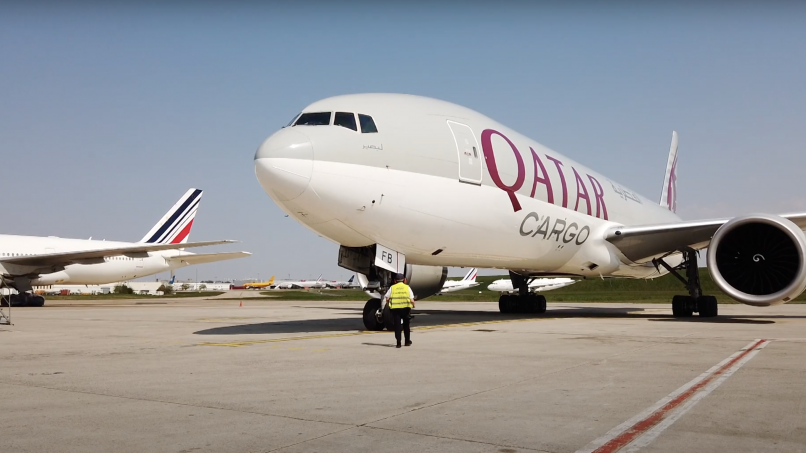 Un vol Qatar Airways Cargo en provenance de Shanghai, à l'aéroport de Paris-Charles de Gaulle.
