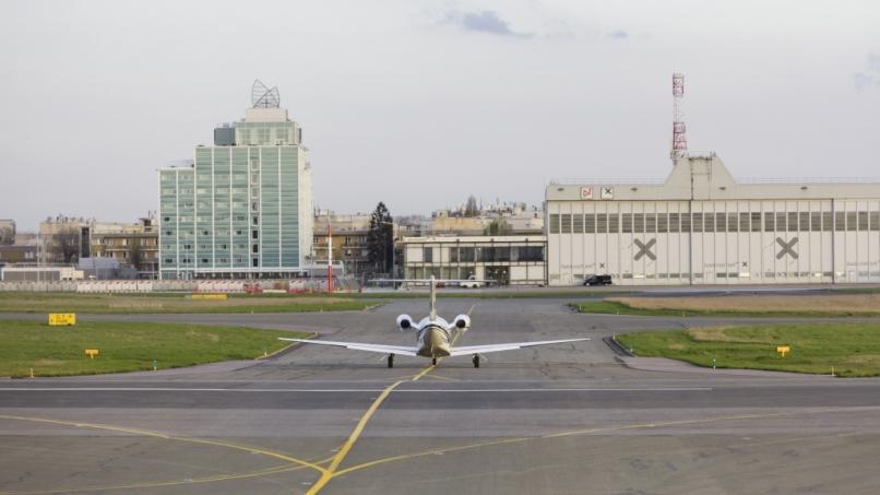Avion sur les pistes de l'aéroport du Bourget