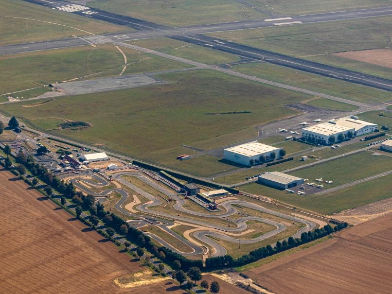 Aérodrome de Pontoise vue aérienne © Arnaud Gaulupeau