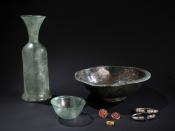Ensemble du mobilier découvert dans une sépulture ©J.-Y. Lacôte/ARCHÉA