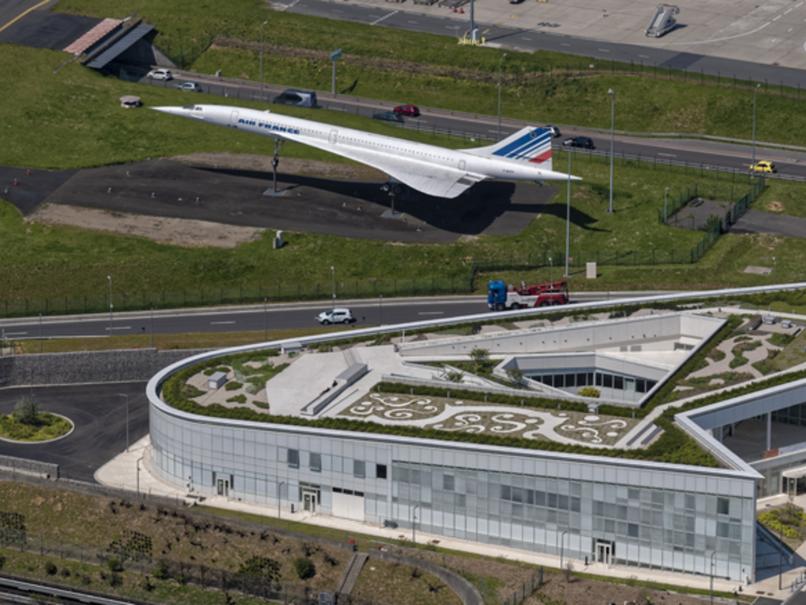 Vue aérienne de la Maison de l'Environnement et du Développement durable (MDE) à Paris-Charles de G