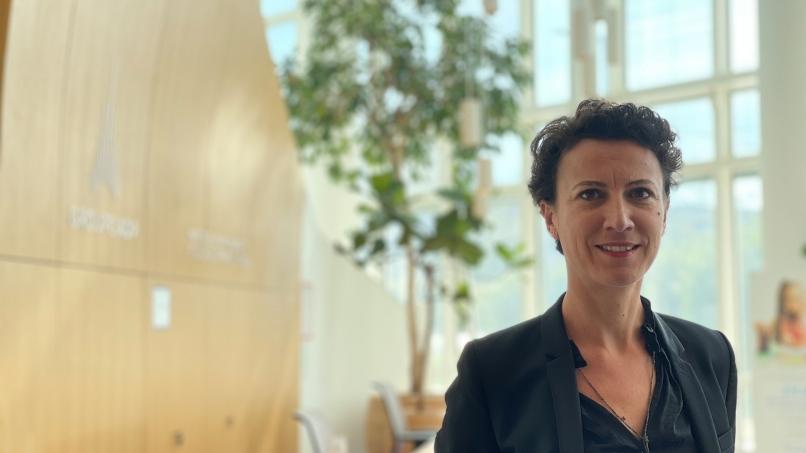 Mélinda Souef, directrice de la Maison de l'Environnement et du Développement Durable (MDE)  de Paris-Charles de Gaulle